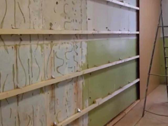 Установка обрешетки для деревянных панелей