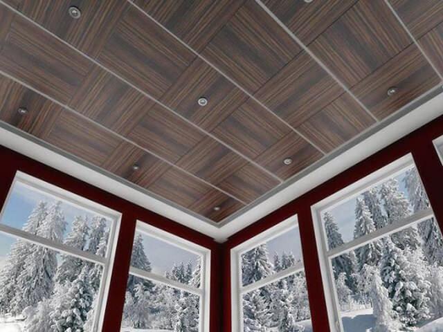 Отделка панелями потолка квартиры