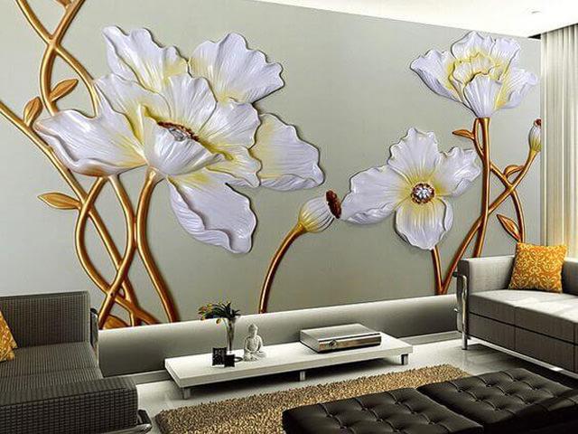 Декорированная стена с огромными цветами из штукатурки