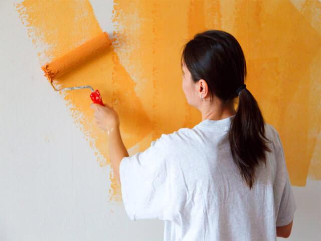 Как подготовить стены под покраску после обоев