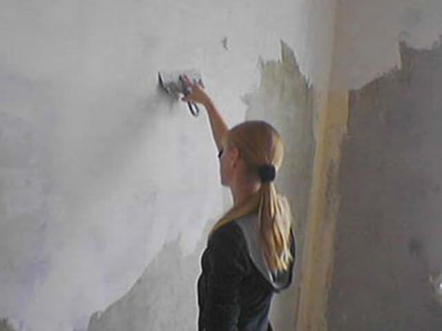 Чем красить стену перед покраской