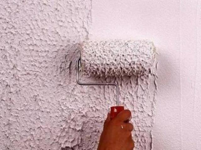 Отделка стен короедом своими руками