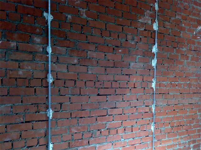 Штукатурка стен своими руками видео с установкой