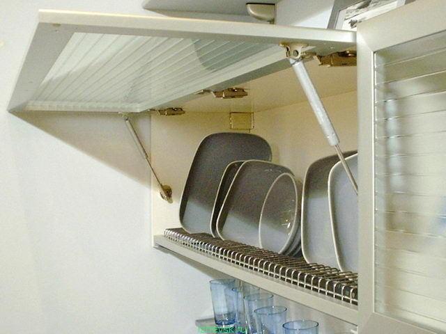 Шкафчики с посудой
